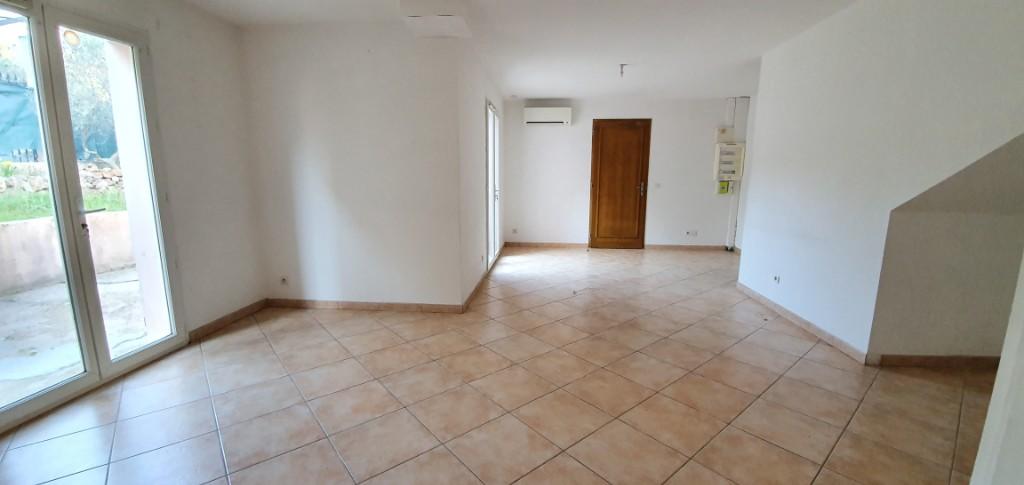 Maison Flassans Sur Issole 4 pièce(s) 83 m2 photo 2