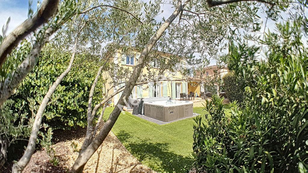 Villa T4 de 117m² en R+1 avec garage sur 491m² de terrain clos - Brignoles photo 1