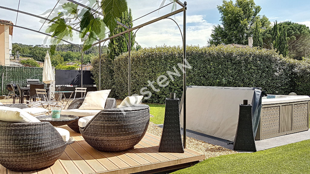 Villa T4 de 117m² en R+1 avec garage sur 491m² de terrain clos - Brignoles photo 2