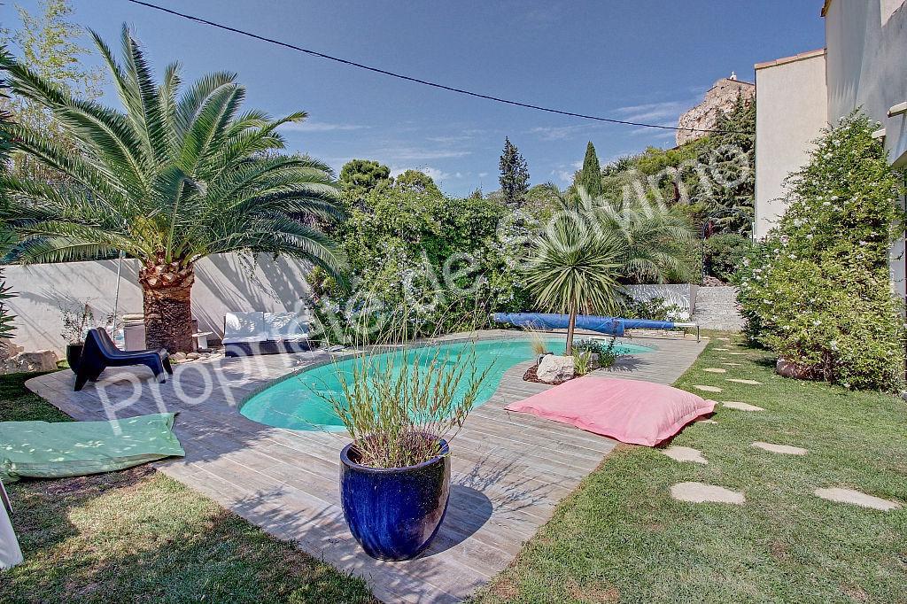 Vitrolles - Villa 7 pièces - 240 m² photo 1