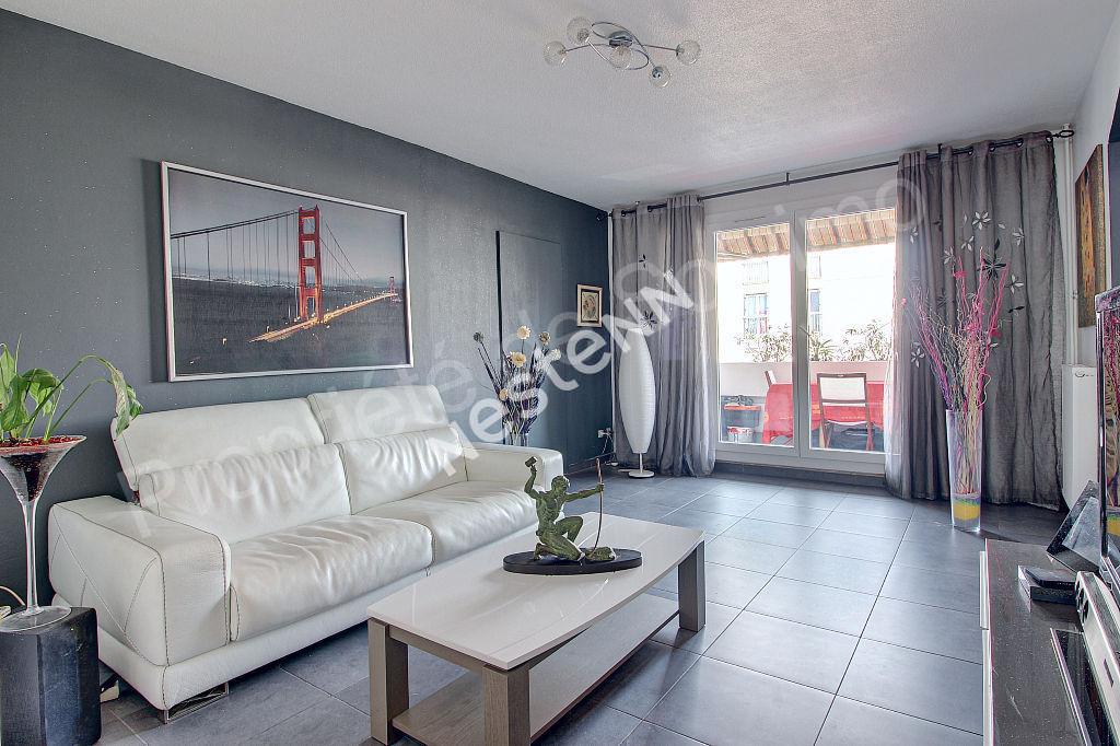 Appartement Vitrolles 3 pièce(s) 76 m² photo 2