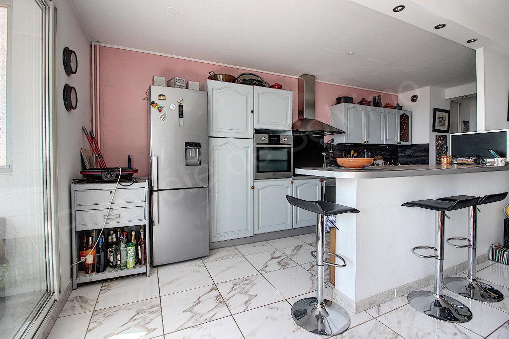 Appartement Vitrolles 3 pièce(s) 68 m2 photo 2