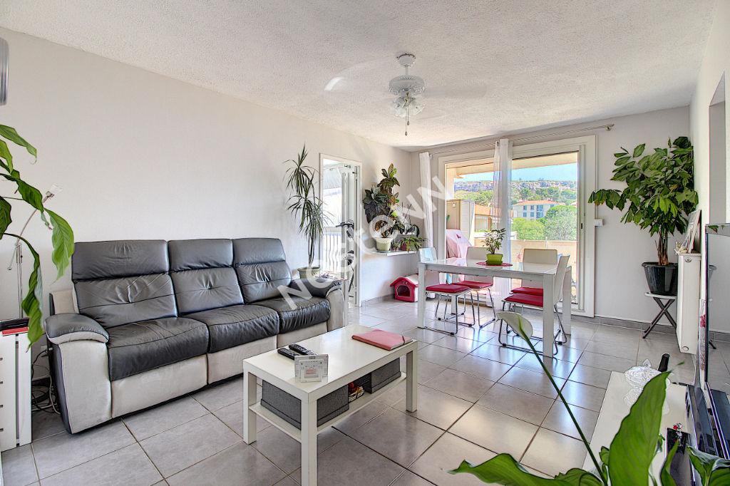 Appartement Vitrolles 3 pièce(s) 74 m2 photo 1