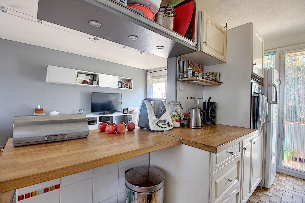 Appartement Vitrolles 5 pièces 96 m² photo 2