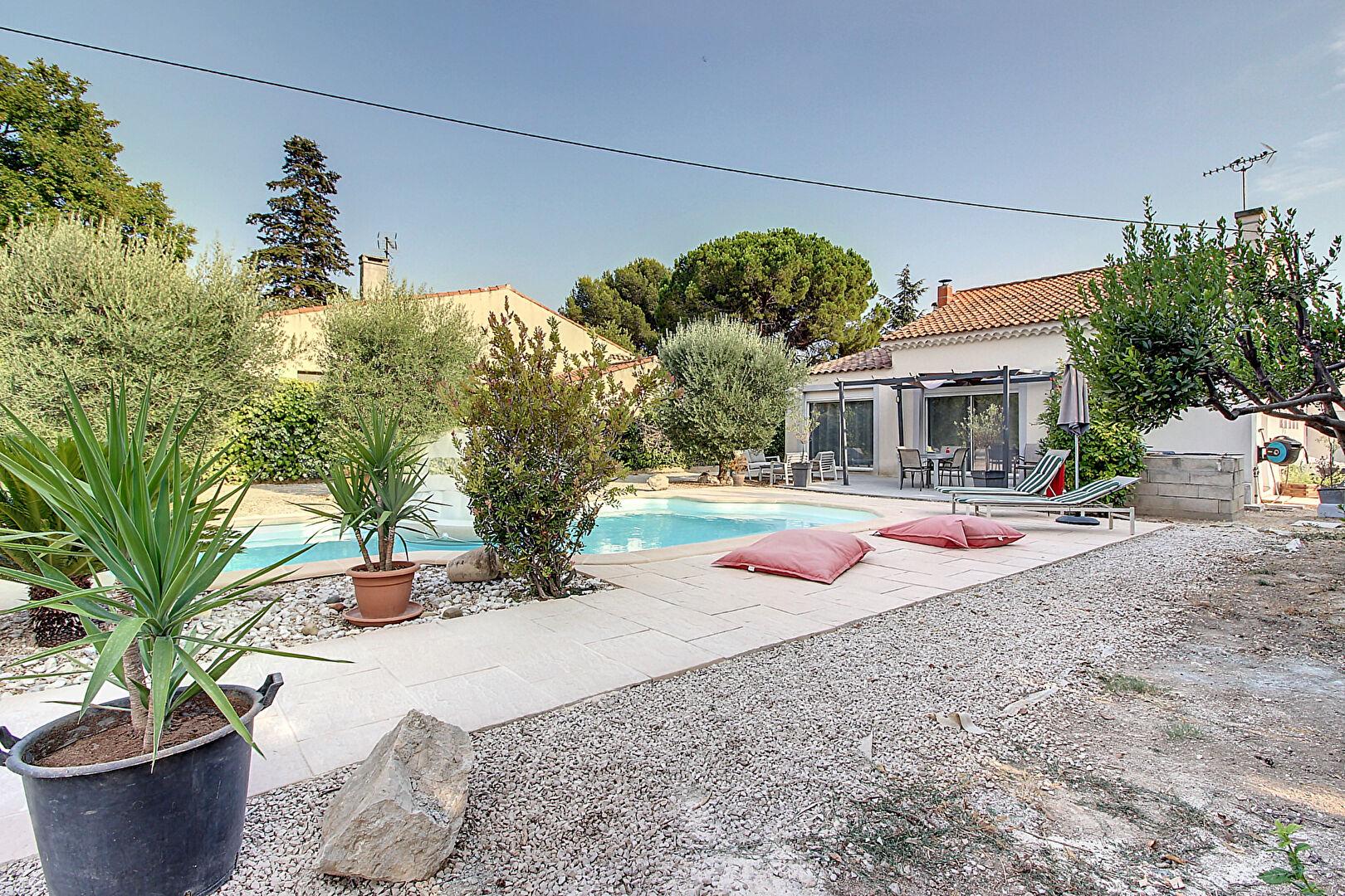 Maison Vitrolles secteur très recherché  4 pièce(s) 90 m² environ plain pied avec double garage de 60 m² environ photo 1