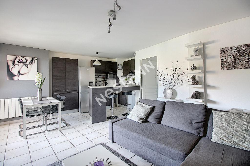 Appartement Vitrolles 2 pièce(s) 42 m2 photo 1