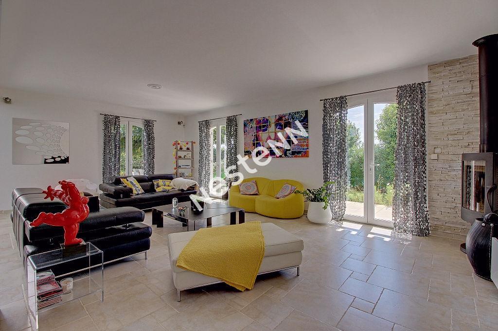 Vitrolles - Villa 7 pièces - 240 m² photo 2