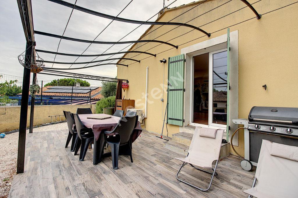 Maison plain pied Vitrolles 94 m² sur 437 m² de terrain photo 1