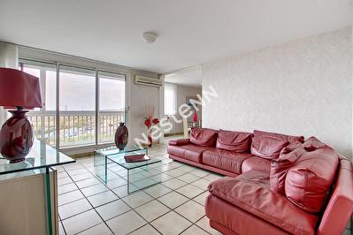 Nouveau bien immobilier à 13340 Rognac